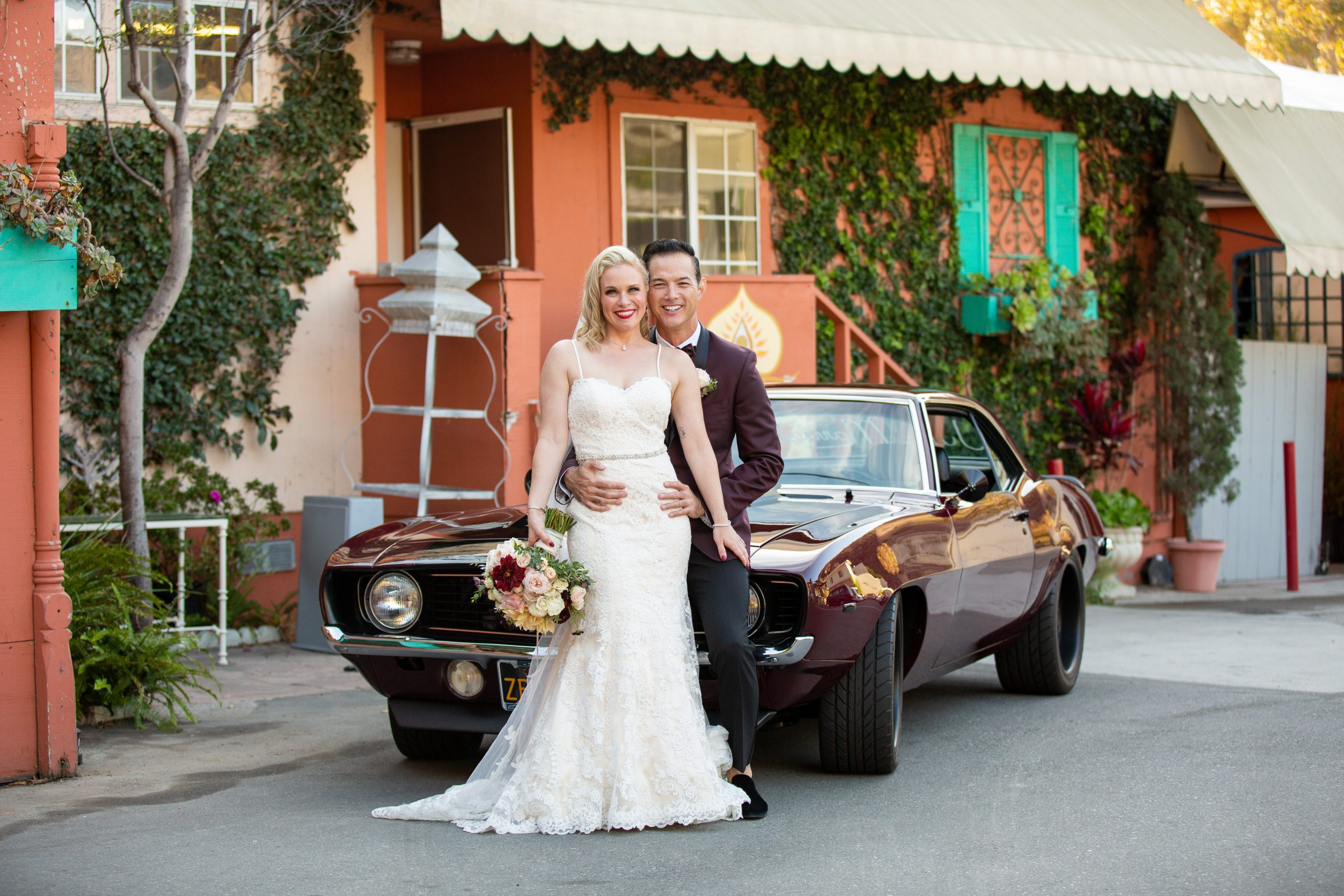 Wedding couple getting married in Los Angeles with a 50's theme