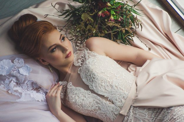 Boudoir Bride laying confValerie elash