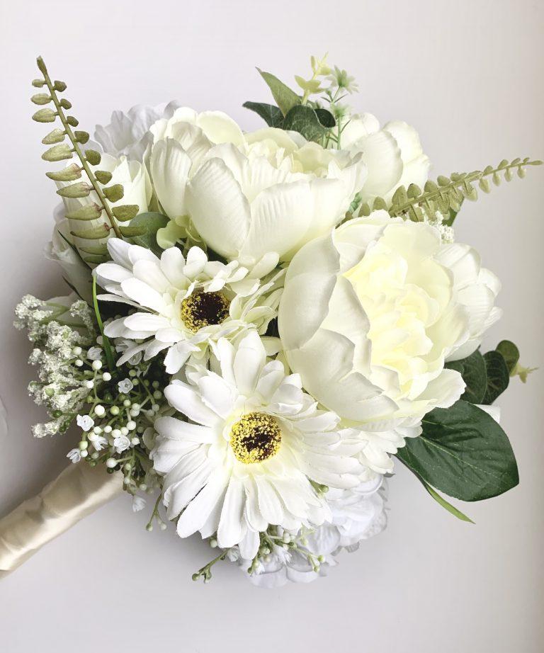 Pure bridal wedding bouquet